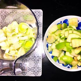 lök, purjo och äpple
